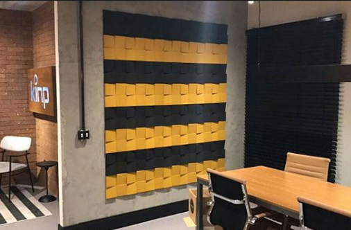 Brazilian Meeting Room